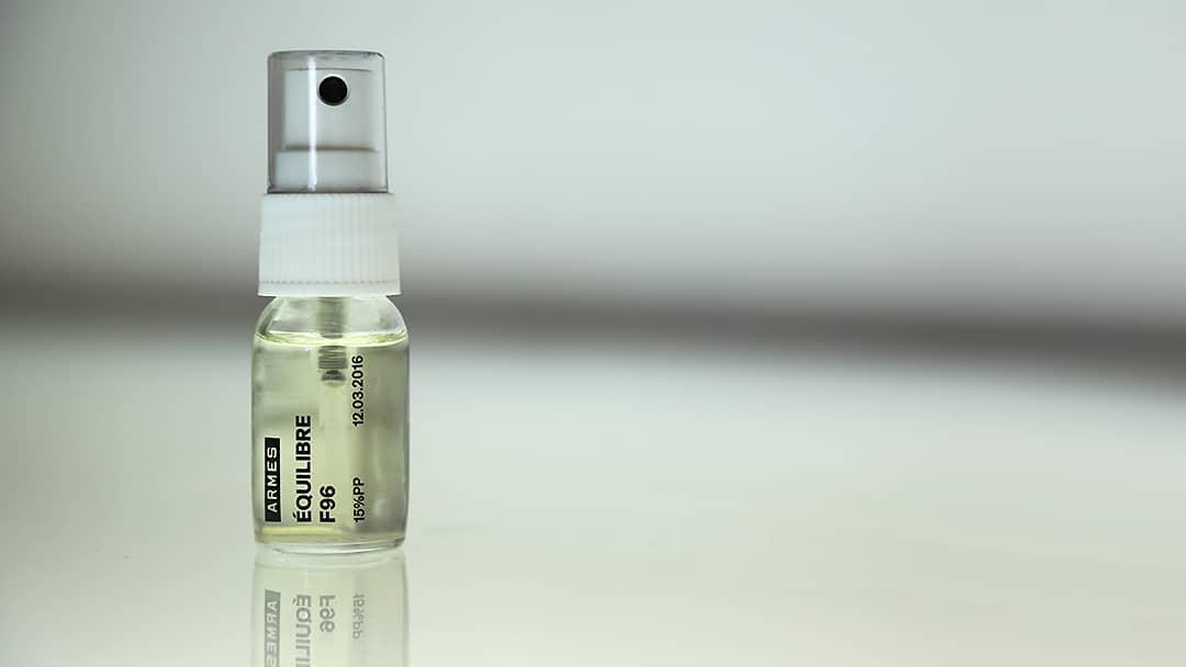 Flacon de parfum Armes 2 - Impression sur verre par tampographie - Mabasi imprimeur